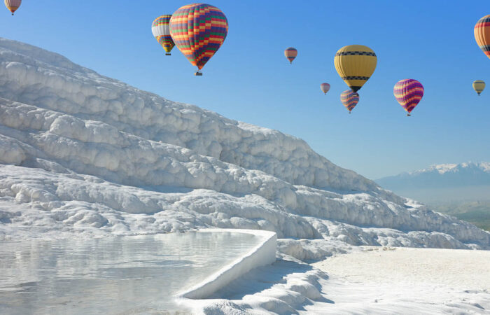 Hot-Air-Balloon-in-Pamukkale