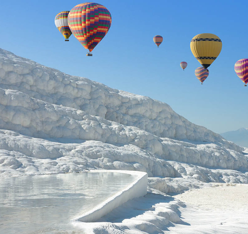 Hot-Air-Balloon-in-Pamukkale